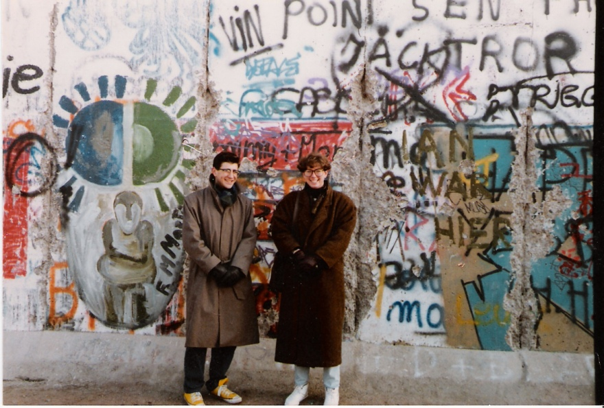 O at Berlin Wall Dec 86